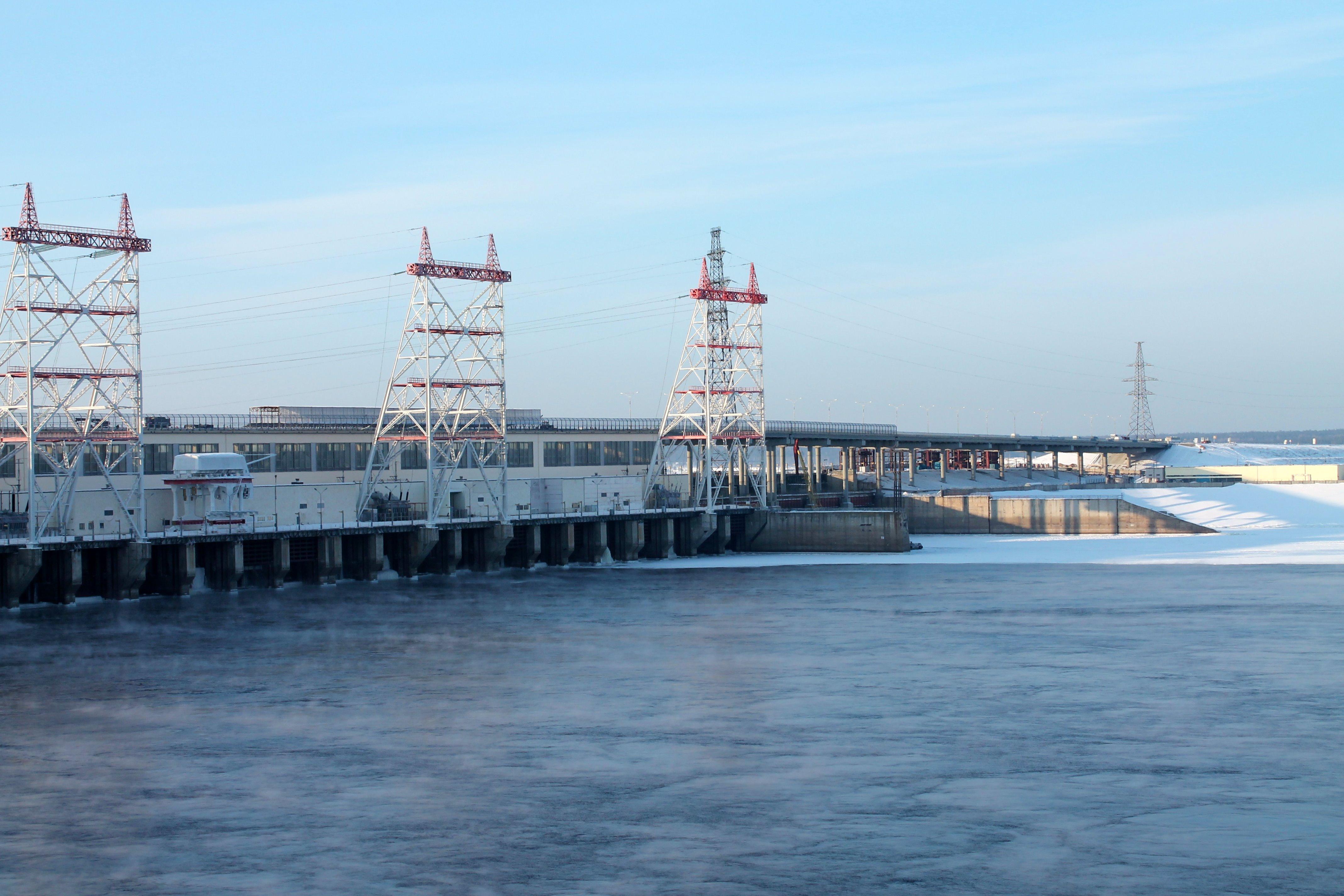Чебоксарская гидроэлектростанция фото совсем