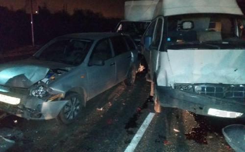 На трассе М-7 в Чебоксарском районе столкнулись 5 автомобилей